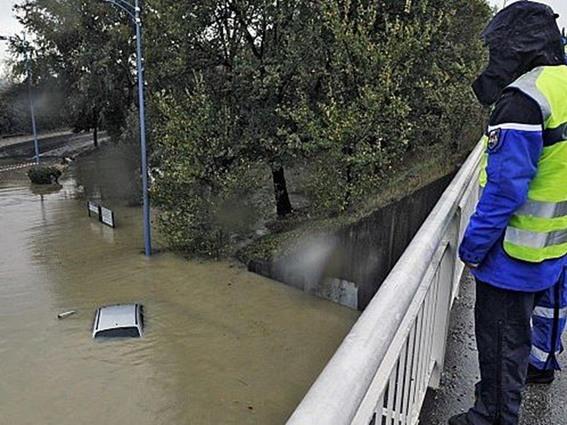 فيضانات جنوب فرنسا اكتوبر  2015